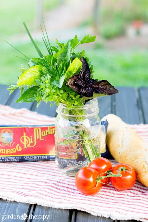 Spaghetti-dinner-herb-bouquet-for-a-unique-hostess-gift-from-your-herb-garden-7f