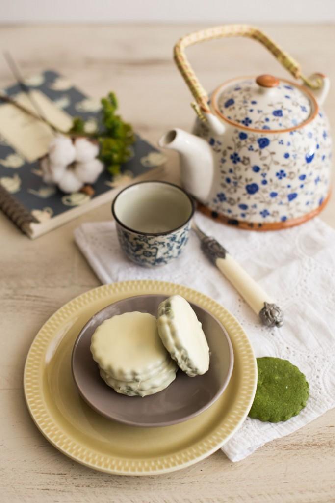 Sablés de té matcha y chocolate blanco